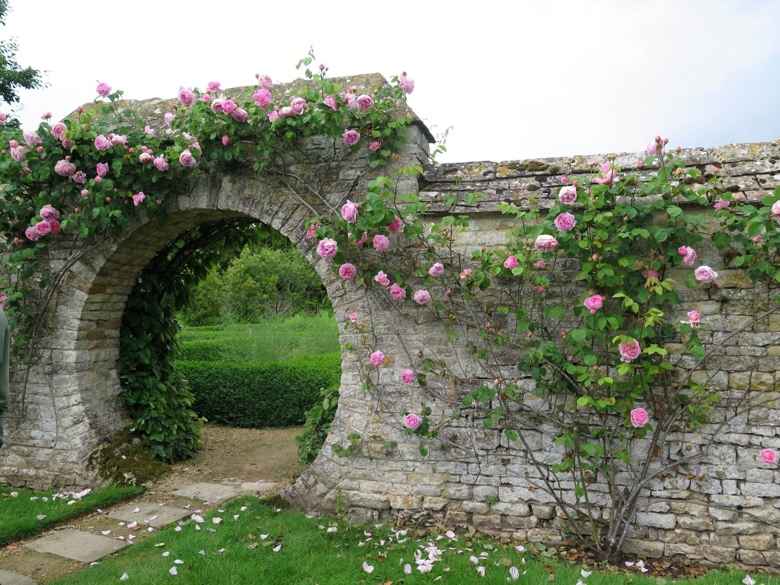 En el jardin inglaterra nuevamente para inspirarse y for Canteros de jardin