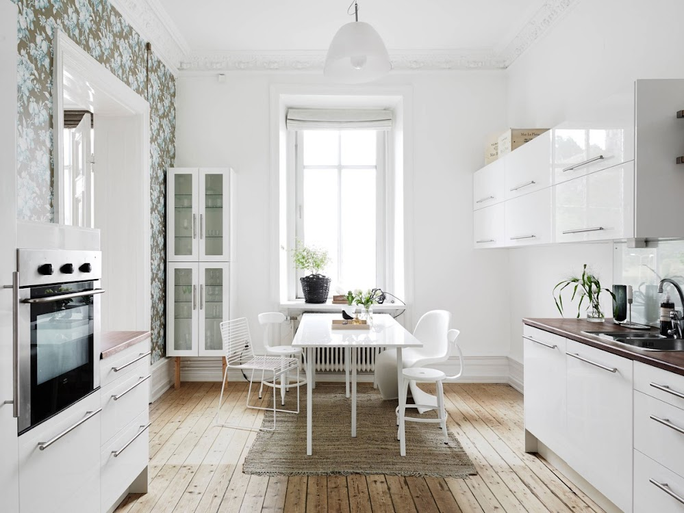 pretty-feminine-dining-room