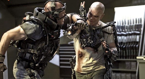 Matt Damon battles Sharlto Copley in Elysium.