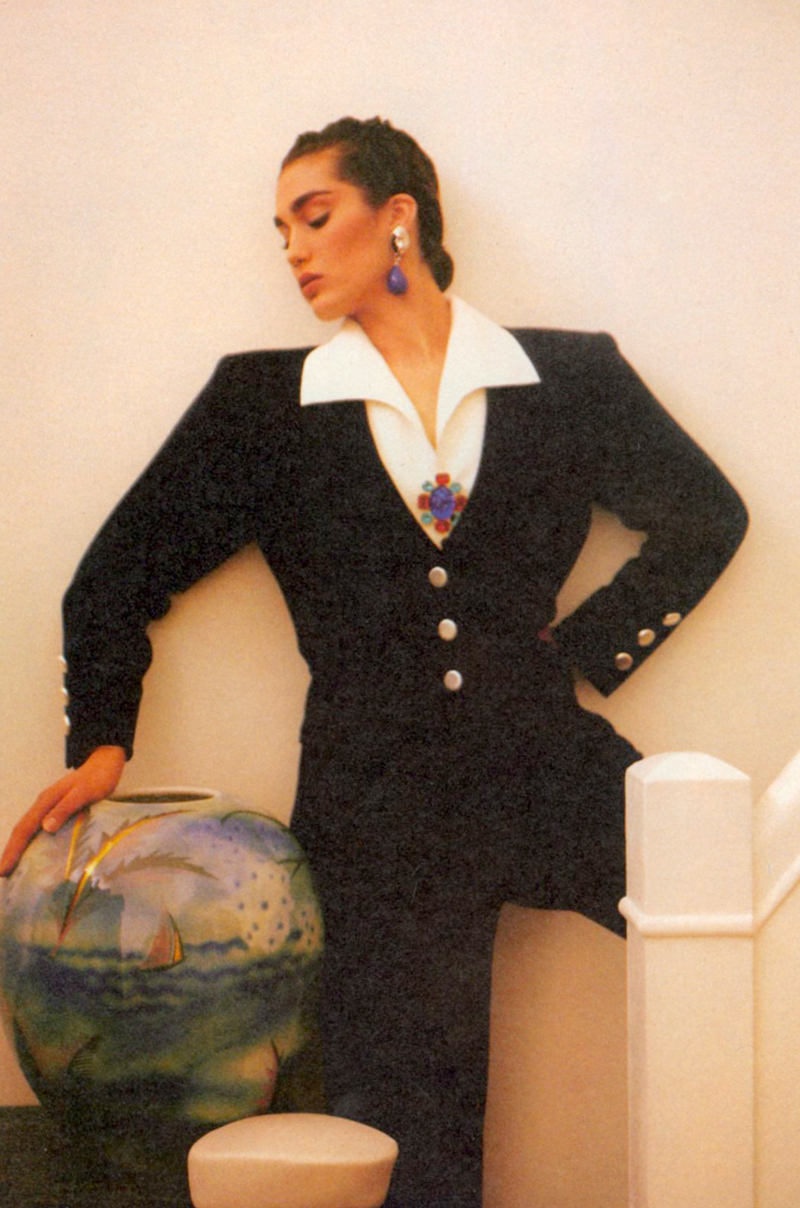 Yves Saint Laurent in Vogue US April 1985 (photography: Sheila Metzner) via www.fashionedylove.co.uk