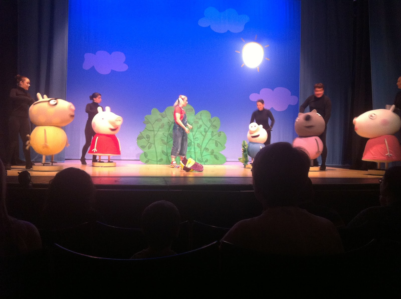 My Little L Review Peppa Pig S Surprise Show At Palace Theatre