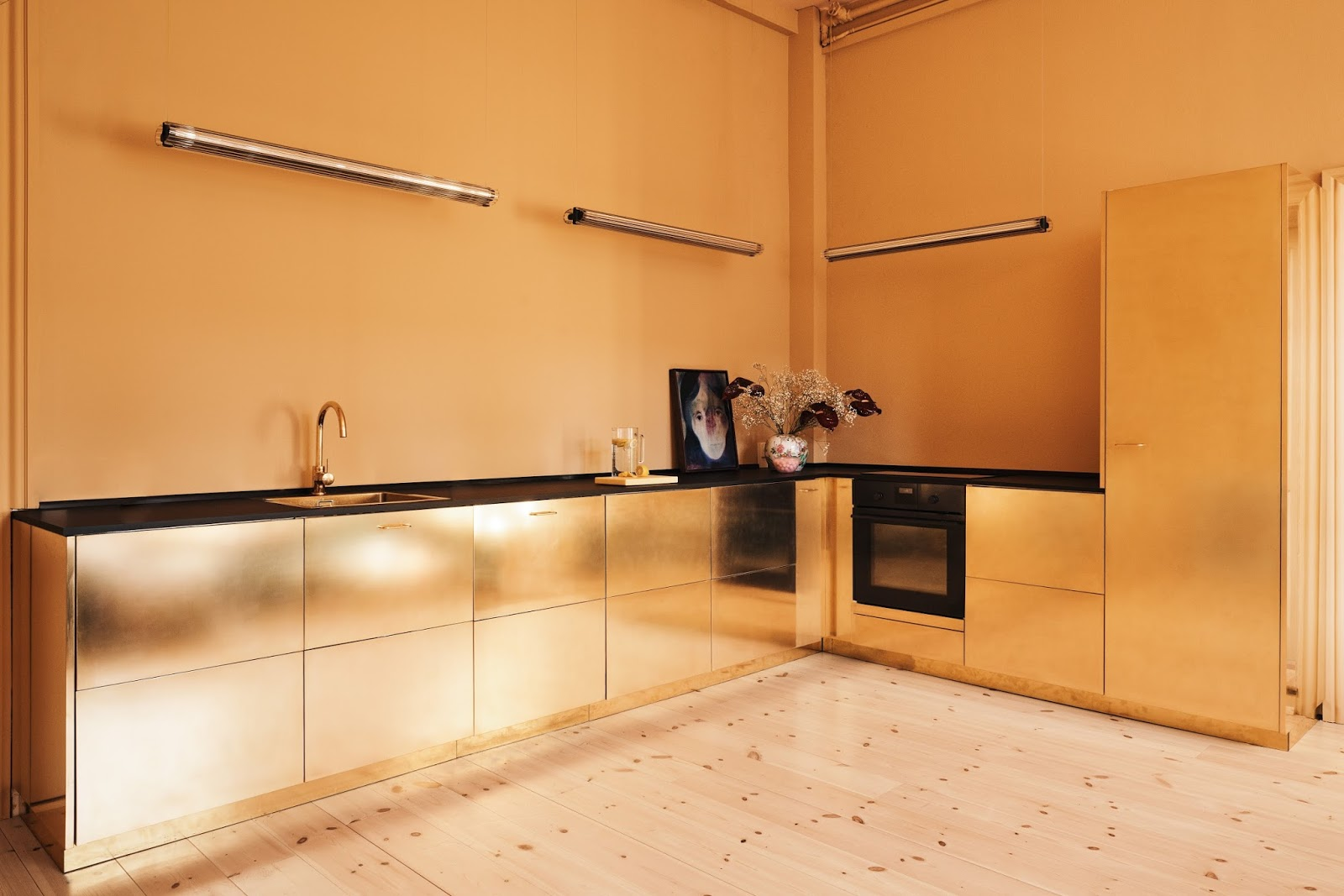 AMM blog The incredible gold kitchen of fashion designer