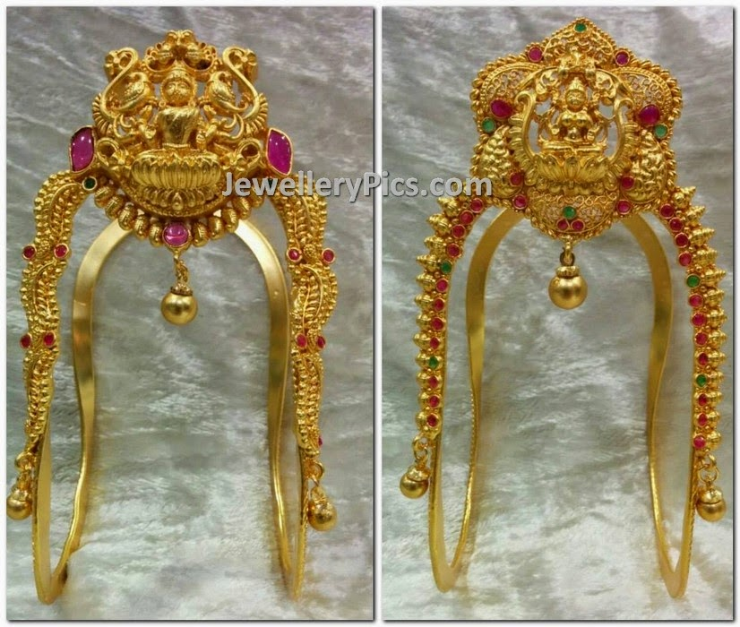 Simple Lakshmi Aravankis Latest Jewellery Designs