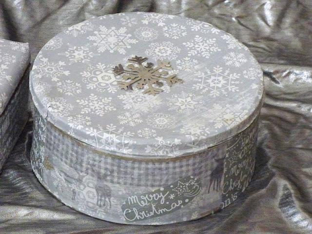 Decoupage Serviettentechnik Plätzchendosen basteln Weihnachten