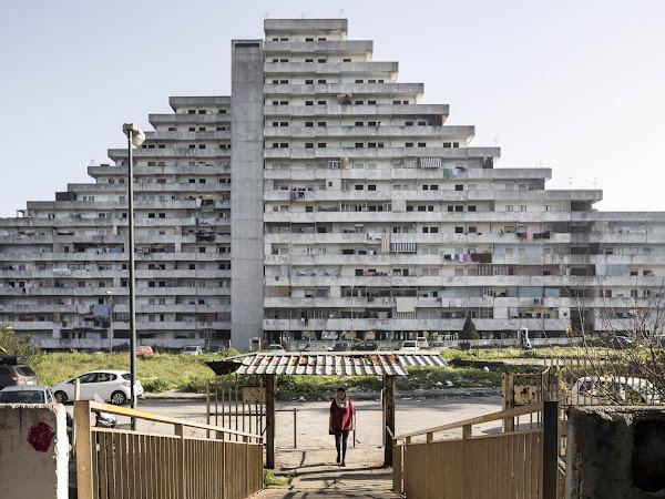 Cento Case Popolari, un progetto fotografico di Fabio Mantovani
