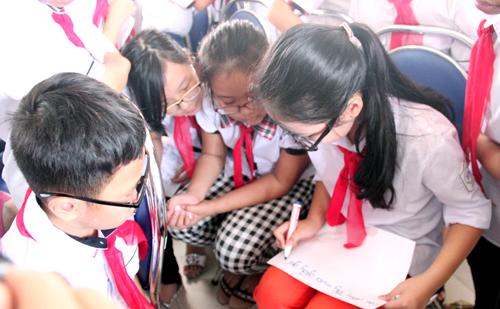 Ảnh hưởng tâm - sinh lý và vấn nạn bạo lực học đường