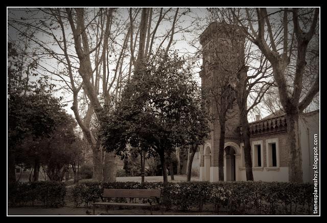 La Quinta de la Fuente del Berro torreón del reloj