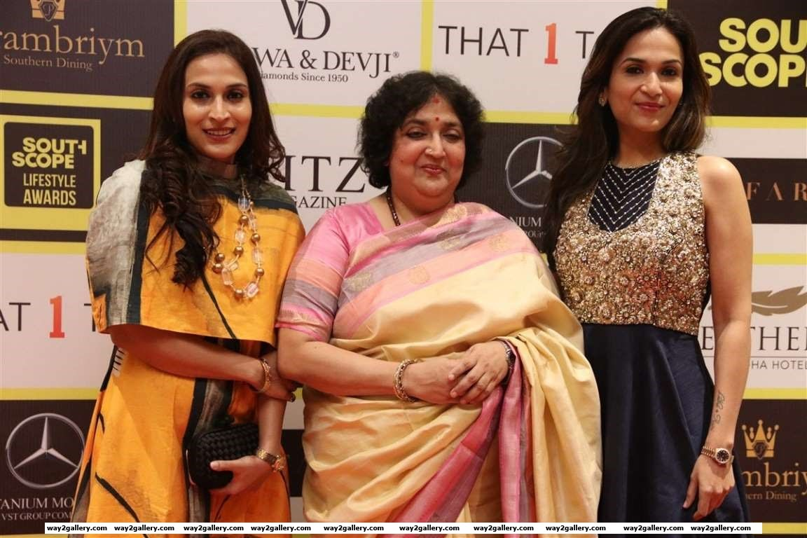 Latha Rajinikanth Soundarya Rajinikanth and Aishwarya R Dhanush graced South Scope Lifestyle Awards