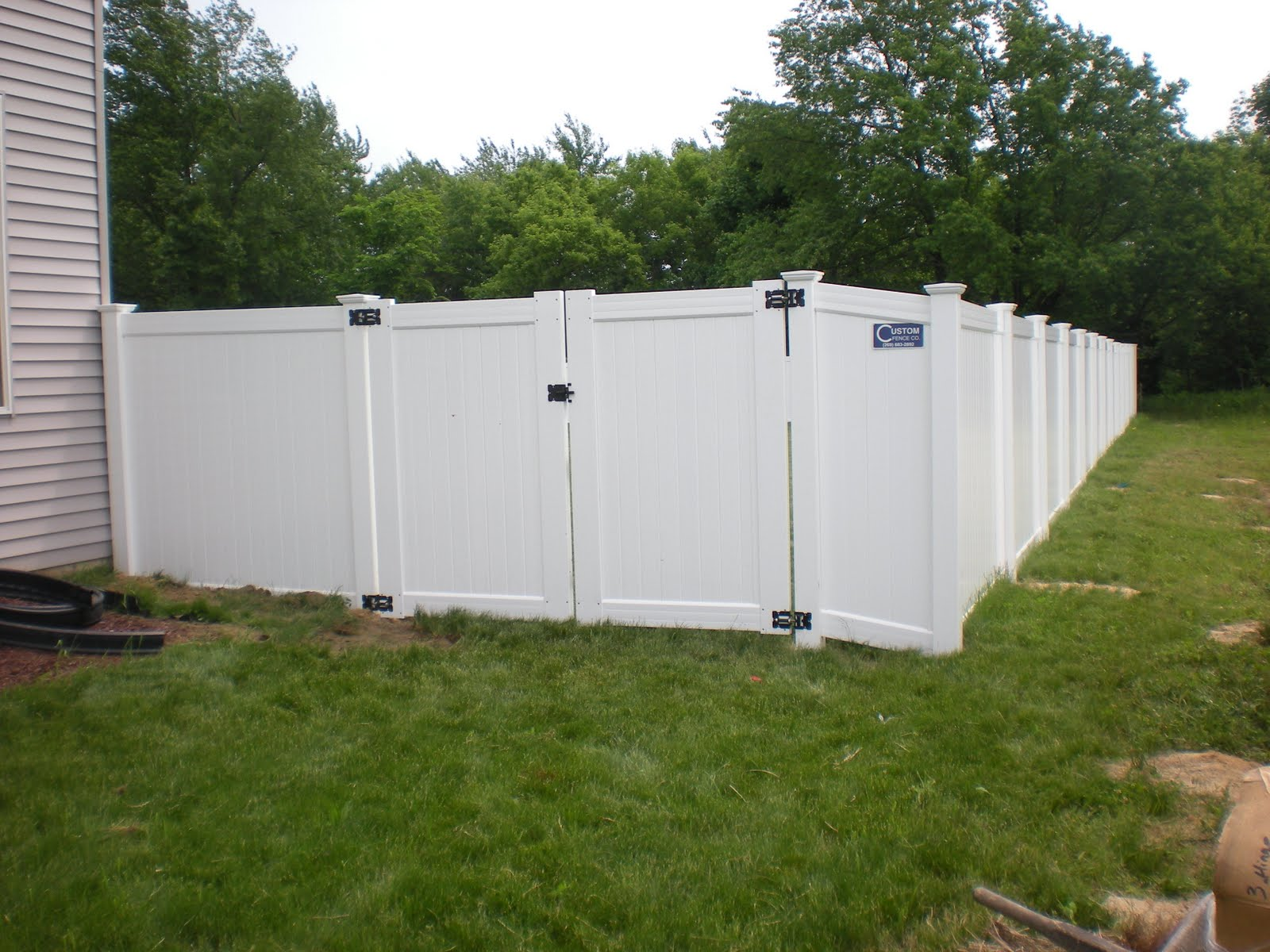Custom Fence Company How To Choose The Correct Gate Size