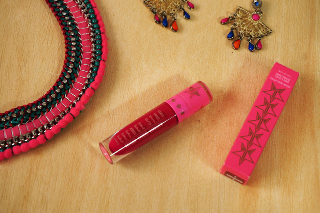 Jeffree Star velour liquid lipstick,MASOCHIST, Jeffree Star COsmetics, Liquid Lipstick, Berry Pink Lips, Beauty, Beauty blog, Makeup, Makeup Blog, Lipstick review, Lipstick swatches, Pink Lips, Berry lips, Top blog, Top beauty blog, Top Beauty blog of Pakistam, red alice rao, redalicerao