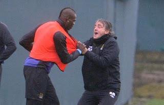 Roberto Mancini vs Mario Balotelli, Duo Italia yang Mengguncang Inggris