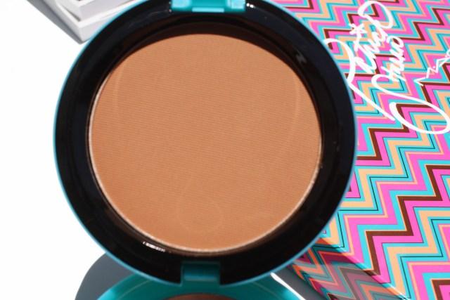 mac-diva-feva-bronzing-powder