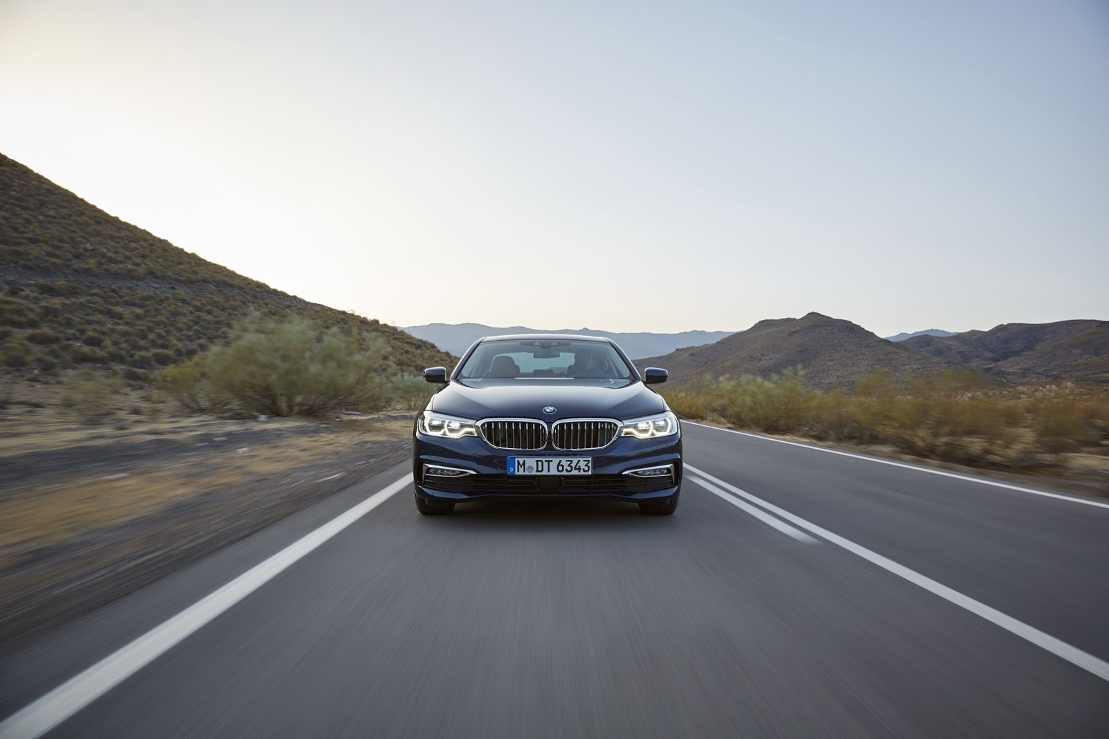 2017-BMW-5-Series-115.jpg