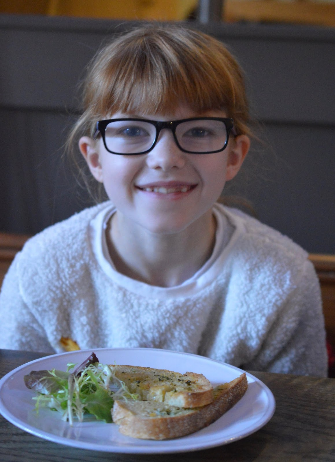 St Mary's Inn Stannington | Saturday Lunch Menu Review (with kids) - kids garlic bread