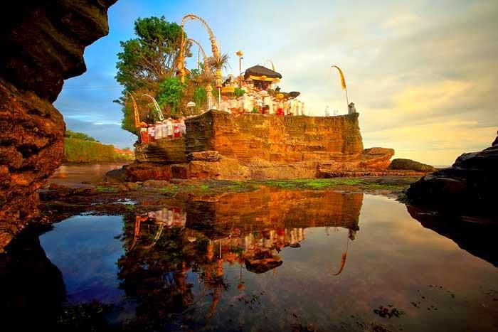 Tempat Wisata di Bali tanah lot