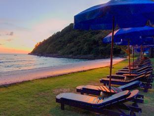 Merlin Beach Resort Photos