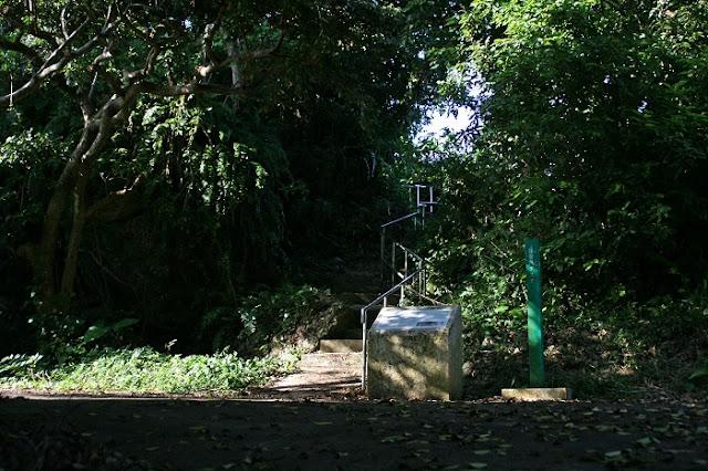 保栄茂グスク入口の写真