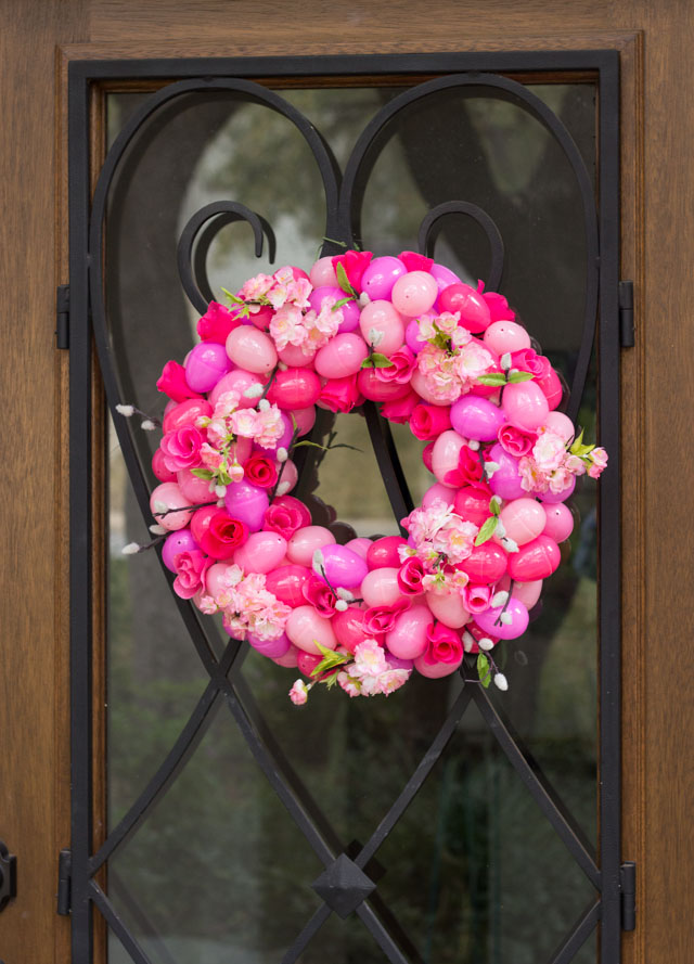 such a beautiful diy easter wreath idea i would leave this up all spring