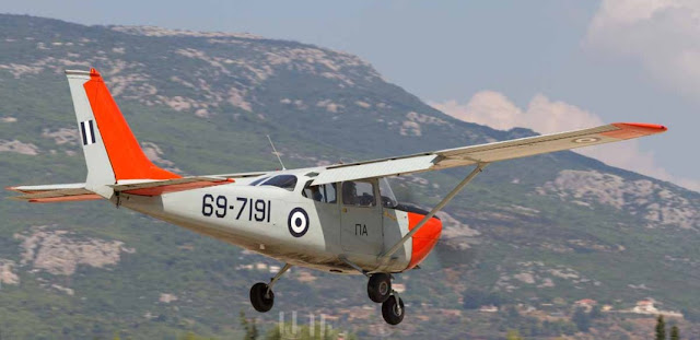 """Πολεμική αεροπορία: Δεν """"πετάει"""" το εκπαιδετικό βασικού σταδίου"""