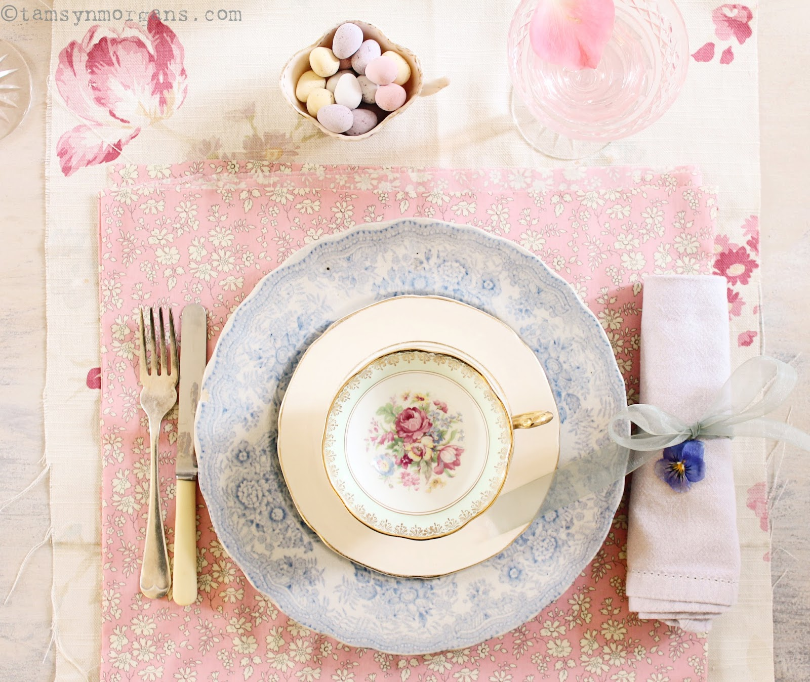 Pretty Table Settings & Pretty Table Settings - The Villa on Mount Pleasant