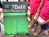 Ahoker Penyebar Buku Dalil Memilih Gubernur Ditangkap Dipukuli dan Diserahkan Pihak Berwajib
