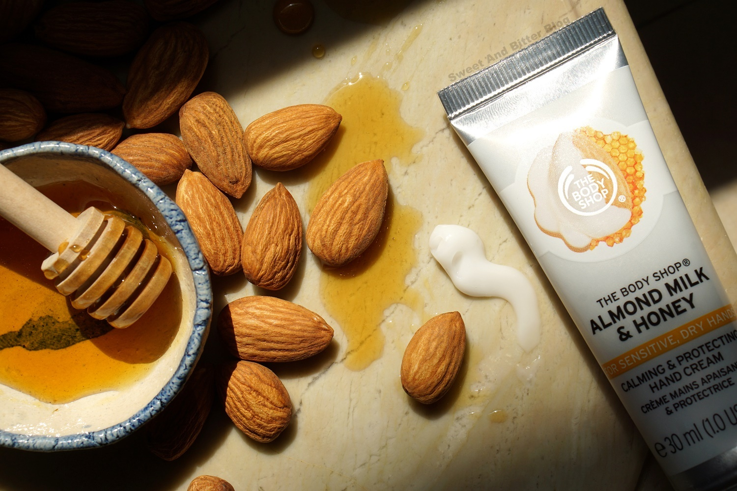 The Body Shop Almond Milk and Honey Calming & Protecting Hand Cream Texture