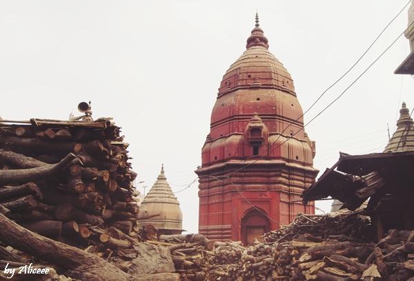 pe-malul-Gangelui-Varanasi-India