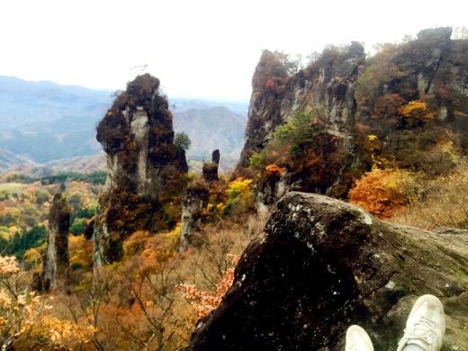 日暮の景。もっとも目立つ奇岩はあの第二石門