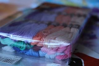 настроение своими руками, рукодельная конфета, розыгрыш, подарки, ткани, отрезы, скрап, мулине