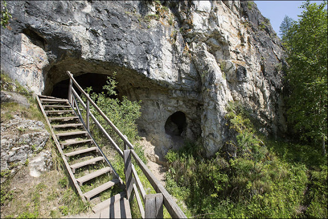 50,000-year-old jewellery made from ostrich eggshells discovered in Denisova Cave
