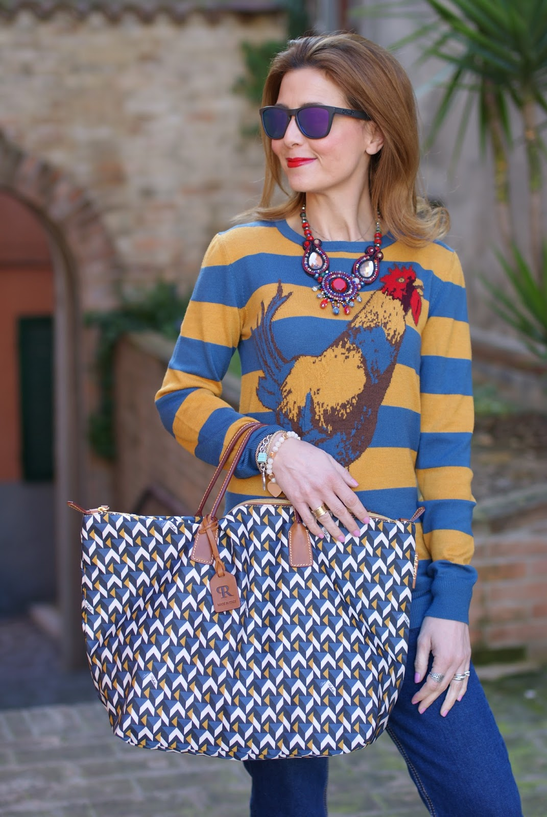 Easter holidays look with Roberta Pieri Robertina bag and Stella Jean top on Fashion and Cookies fashion blog, fashion blogger style