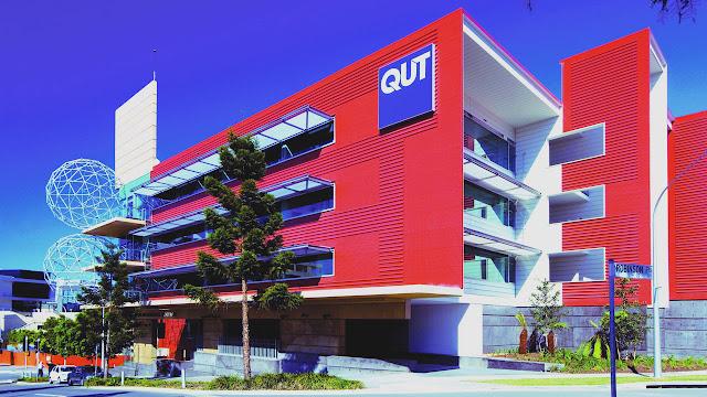 منح ممولة  بالكامل براتب 26 ألف دولار مقدمة من جامعة (QUT) لدراسة الماجستير والدكتوراة في استراليا