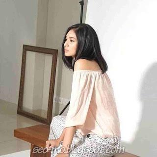 Foto Imut Cute dan Cantik Mikha Tambayong