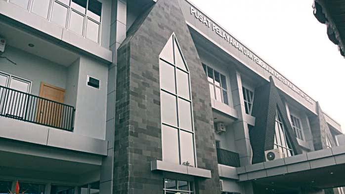 Gedung Pusat Pelayanan dan Pembinaan Kristen