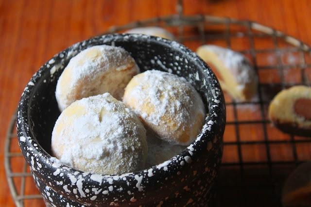 Surprise Kisses Recipe - Surprise Kiss Cookies