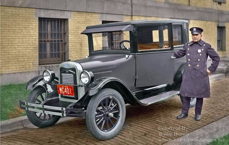 18 incredible colorized photos of american police cars from between the 1920s and 1940s. Black Bedroom Furniture Sets. Home Design Ideas