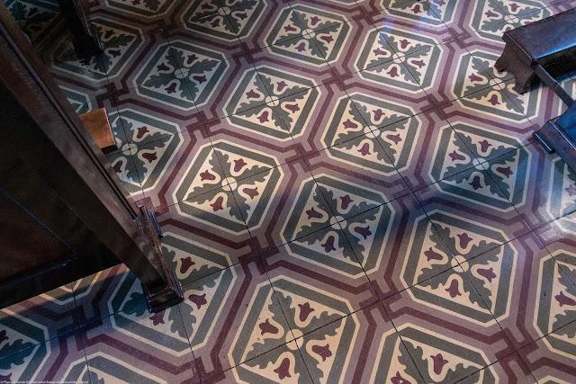 Igreja Imaculado Coração de Maria - interior - detalhe do piso