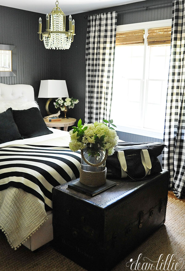 Tag Black And White Guest Room