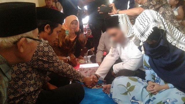 Pasangan R dan MA yang menjadi korban persekusi Cikupa, hari ini, Selasa, 21 November 2017, melangsungkan pernikahan di Tigaraksa, Kabupaten Tangerang.