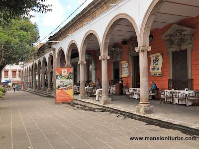 Las Tradicionales Carnitas en los Portales del Rey de las Carnitas, en Quiroga, Michoacán