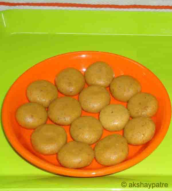 Mawa kesar badam peda in a serving plate