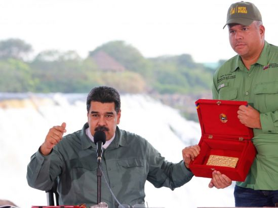 Desespero económico lleva a Maduro a acelerar el Arco Minero pese a alarmas socioambientales