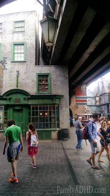 Flourish & Blotts Diagon Alley Wizarding World of Harry Potter Orlando Tips & Review Family Travel 2015