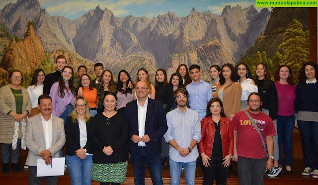 El IES Luis Cobiella Cuevas representará a La Palma en la fase regional del III Concurso de Debate Escolar del Parlamento de Canarias
