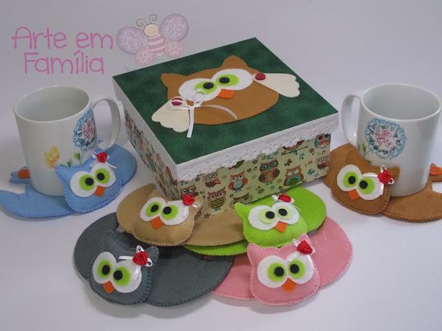 corujas para tapetes de caneca e xícara, e kit com caixa decorada