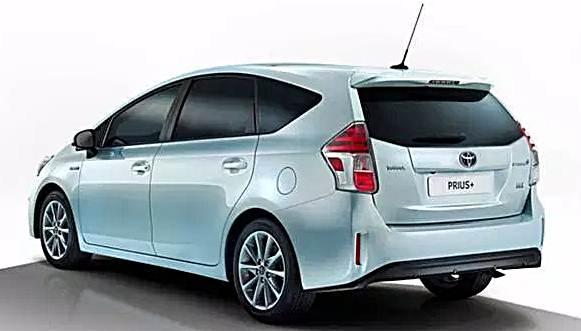 2017 Toyota Prius V Review Australia