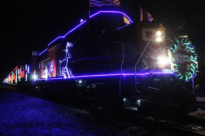 Holiday Survival Guide from a Mom of 4 - Do the Extra-Special Things and Create Memories, like the Canadian Pacific Holiday Train