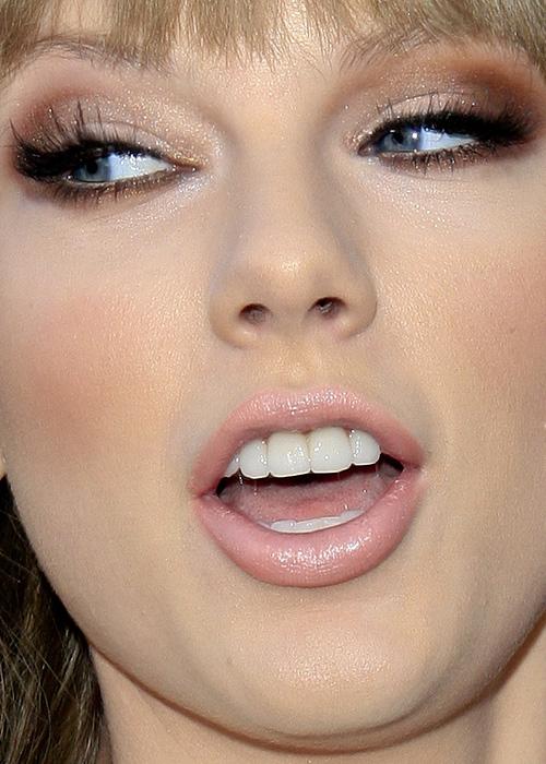 Close Up Portrait Of A: JuicyPips: Celebrity Close-Up