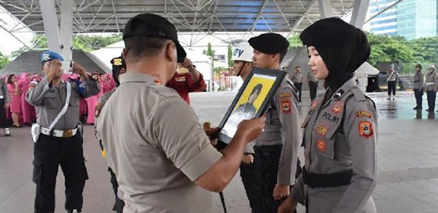 Brigpol Dewi… Oh Brigpol Dewi… Usai Foto Hot, Kini Muncul Video dan Chatting Mesum