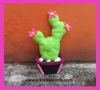 Bunga Kaktus Centong dari Kain Flanel